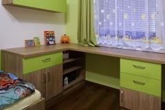 Pracovní stůl_Kombinace zelené s dubem bardolíno